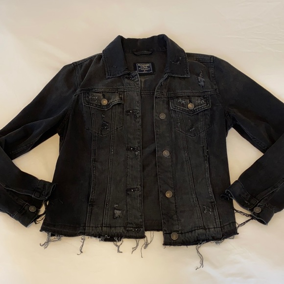 ABERCROMBIE distressed denim jacket size M